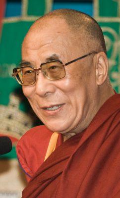 Осенью в Прагу прилетит Далай-лама