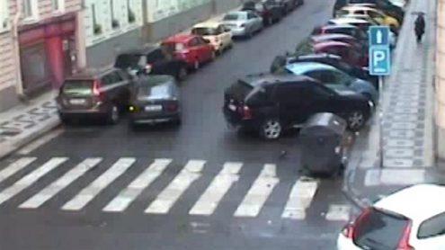В Праге пьяный воитель протаранил 10 автомобилей