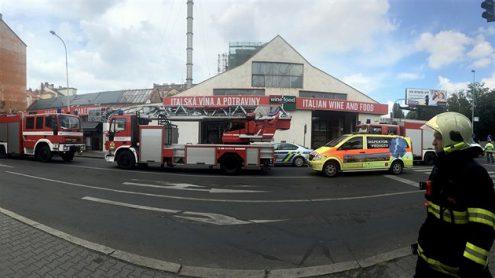 В Праге горел магазин
