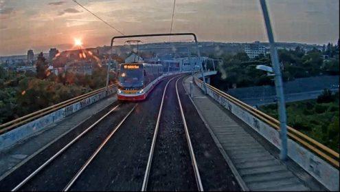 По Праге ездит трамвай с камерой на крыше