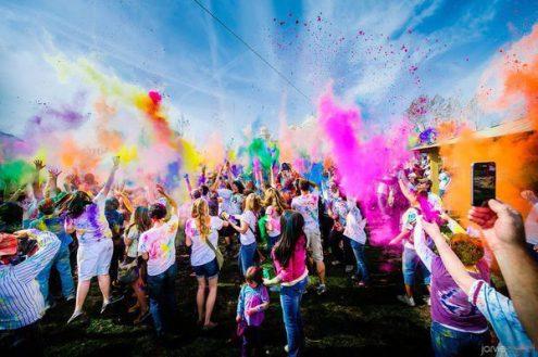 В Праге пройдет фестиваль красок Holi Open Air Praha