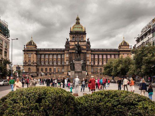 В Праге увеличилось количество туристов из России, Китая и Кореи