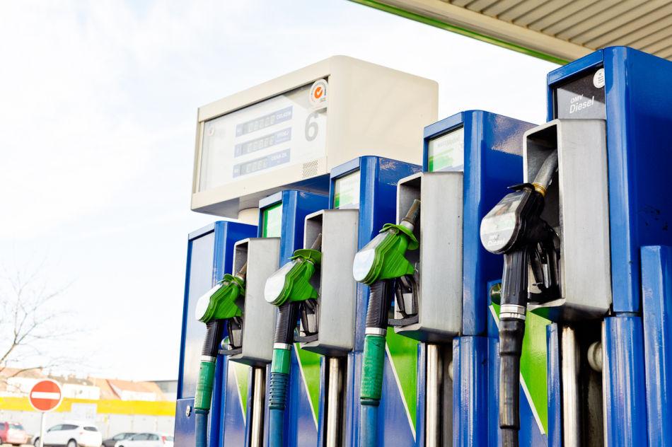 Бензин в Чехии вновь подешевел