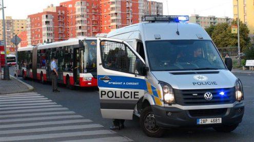 В Праге пьяный мужчина напал на водителя автобуса