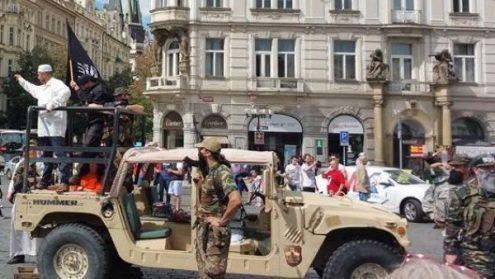 В Праге прошла инсценировка вторжения исламистов