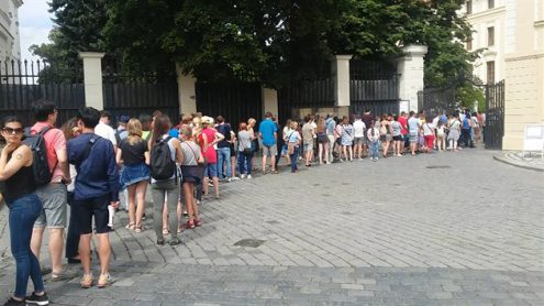 Главные ворота Пражского града закрыли для посетителей