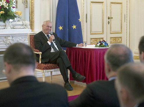 Президент Чехии выступил против антироссийских санкций