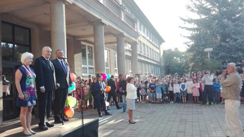 Милош Земан поздравил первоклассников