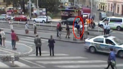 В Праге злоумышленник угрожал людям ножом