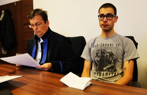 Игорь Шевцов требует компенсацию за арест