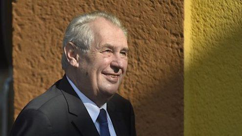 Президент Чехии предложил депортировать беженцев на острова