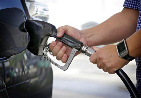 В Чехии начали расти цены на бензин и дизельное топливо