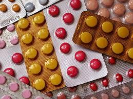 Гостинцы с родины: икра, гречка и… лекарства?