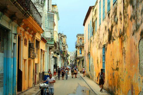 Куба хочет выплачивать свой долг ромом и лекарствами