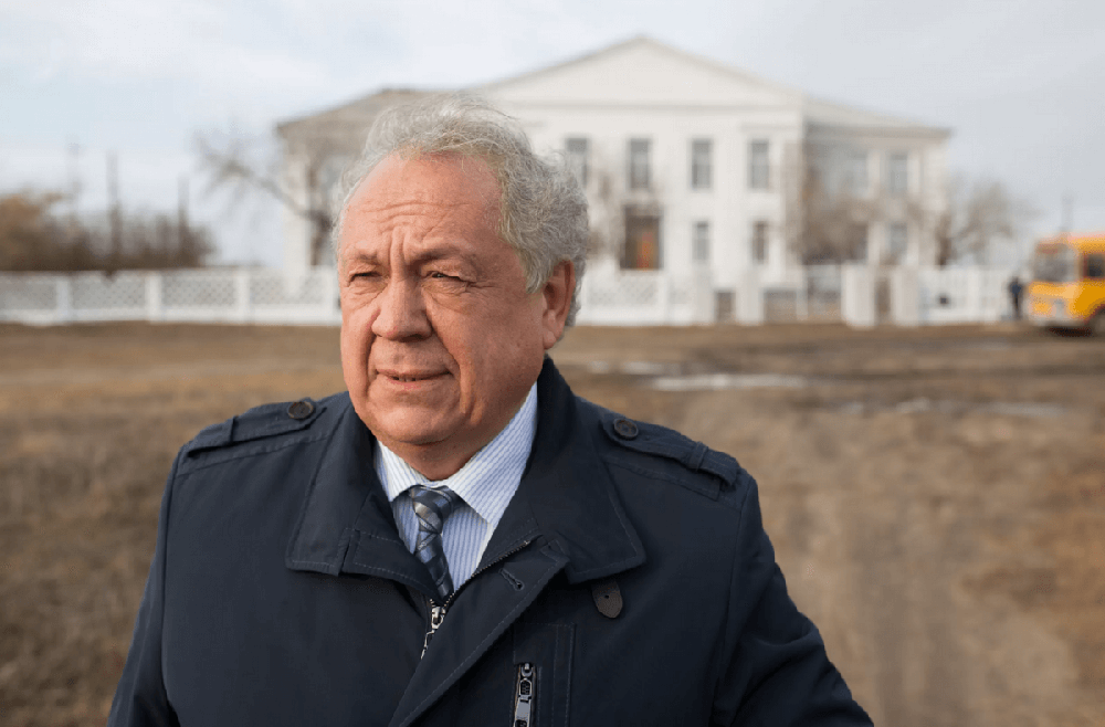Депутат Челябинского областного Законодательного собрания Николай Янов скрывает бизнес в Чехии