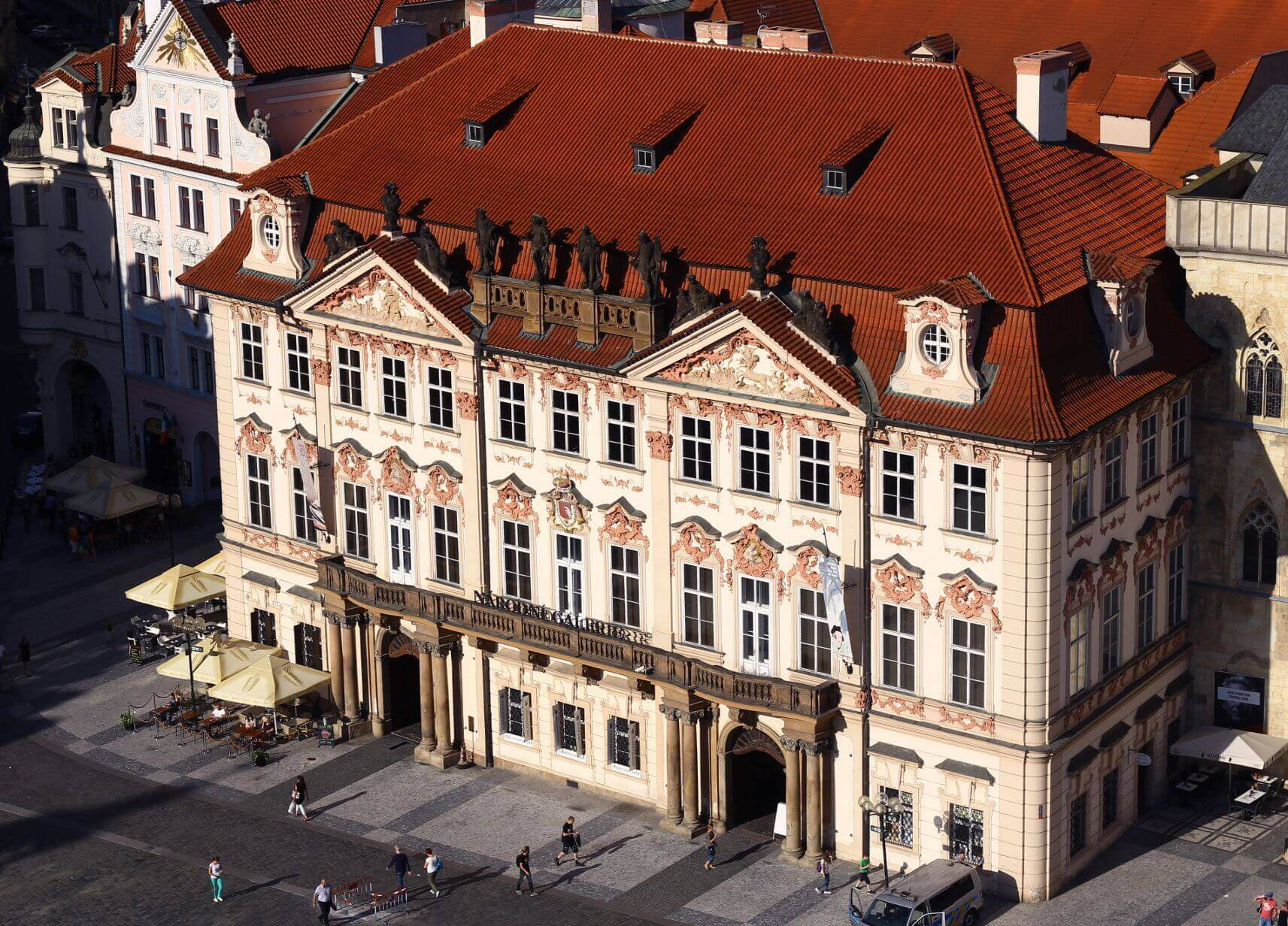 НГ открывает двери - Пражский Телеграф