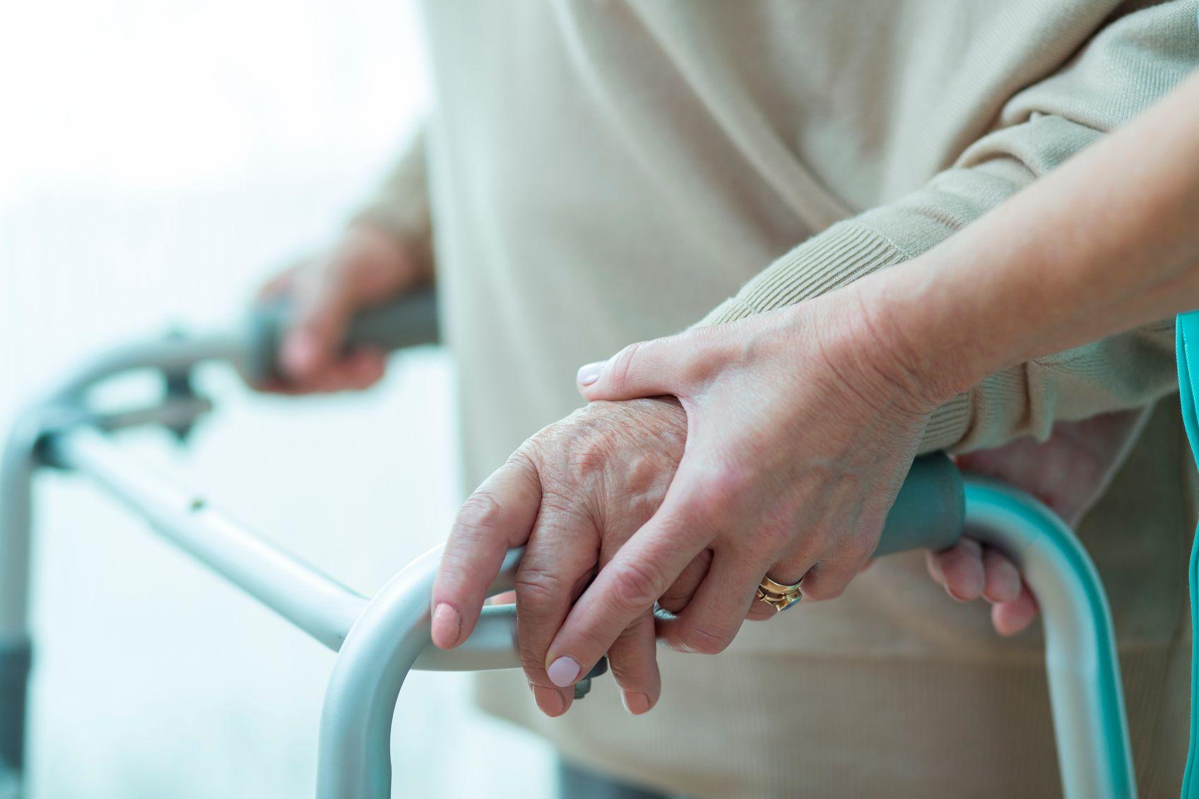 Работники домов престарелых