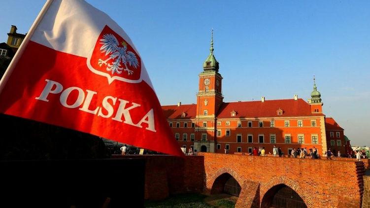 Польша открывает границы