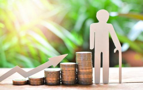 Средняя пенсия по старости должна увеличиться на 839 крон
