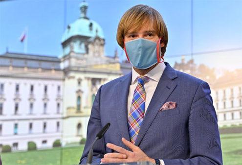 В пятницу государство снова закрутит гайки из-за коронавируса