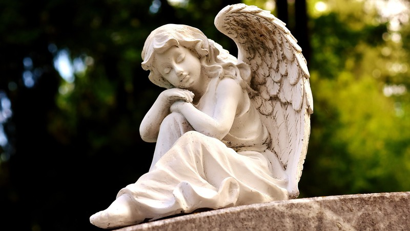 Пражские кладбища будут закрываться раньше