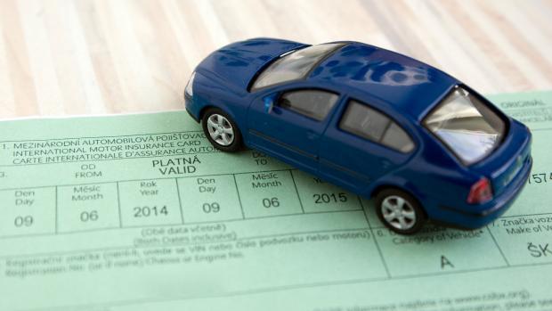 средняя цена обязательного страхования в октябре выросла до 6460 крон
