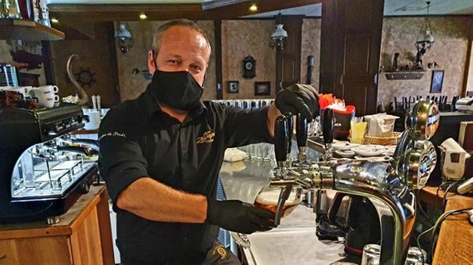 Некоторые рестораны откроются сегодня в знак протеста против мер правительства