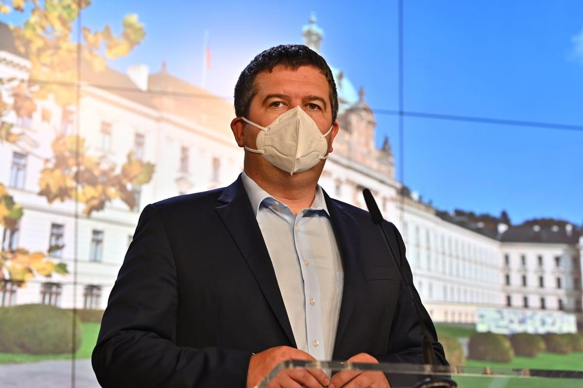 «Эпидемия замедляется, меры работают», - заявил Гамачек.