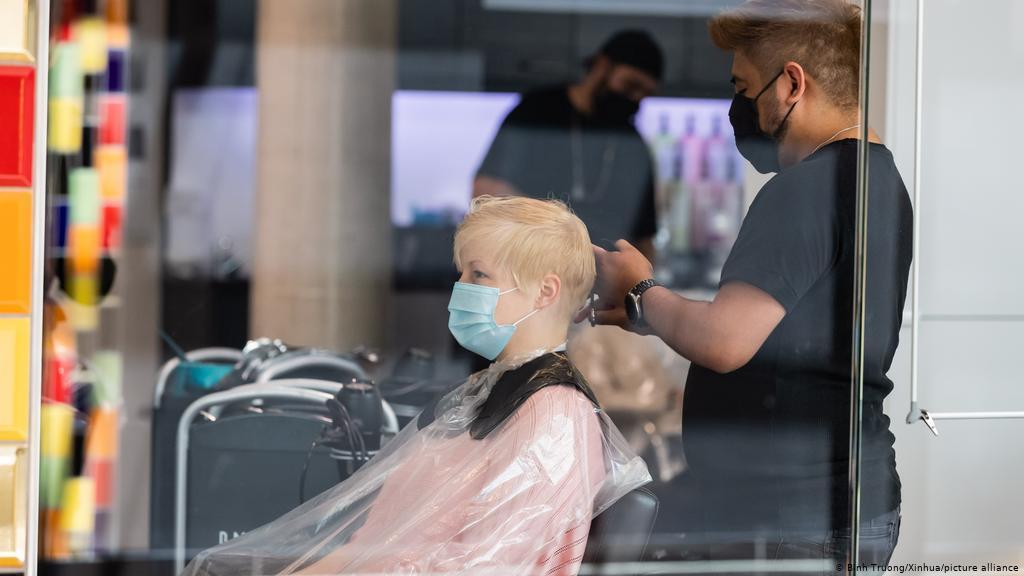 Блатны хочет в ближайшее время открыть парикмахерскую и другие услуги. Но все будет не так, как раньше