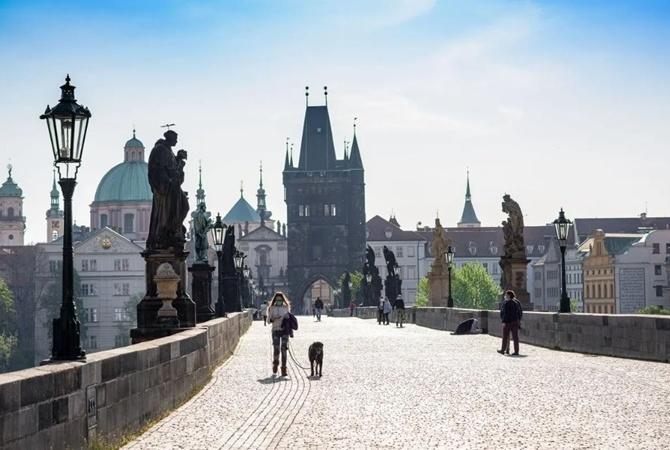 Население Чехии выросло в прошлом году, благодаря мигрантам из Украины