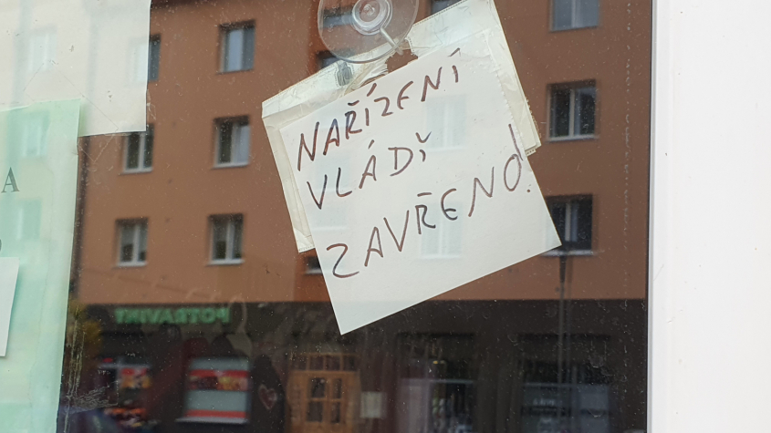 Магазины не откроются в срок