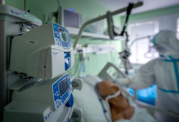Больницы возвращаются к плановой работе